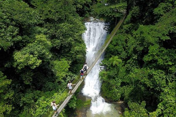 Cascade Los Campesinos, arriere pays de Manuel Antonio, Costa Rica