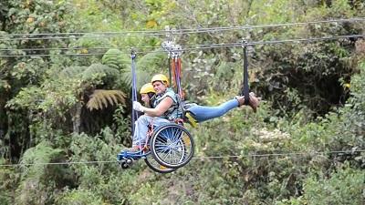 Tyrolienne amenagee pour les personnes handicapees