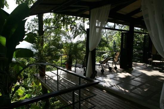Terrasse de la chambre du Rancho Pacifico, Séjour sur mesure au Costa Rica