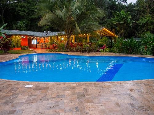 Piscine au Chachagua Rain forest lodge, La Tigra, volcan Arenal, Costa Rica