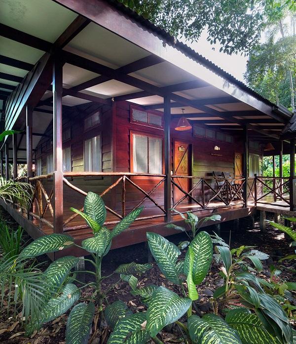 Hôtels de Tortuguero costa rica Bungalow au Pachira Lodge