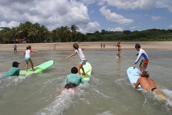 surf en famille au Costa Rica