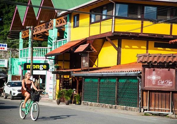 Le centre du village de Puerto Viejo, cote Caraibe du Costa Rica