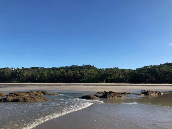 Plage de Santa Teresa, côte Pacifique, sud de la péninsule de Nicoya, Costa Rica.
