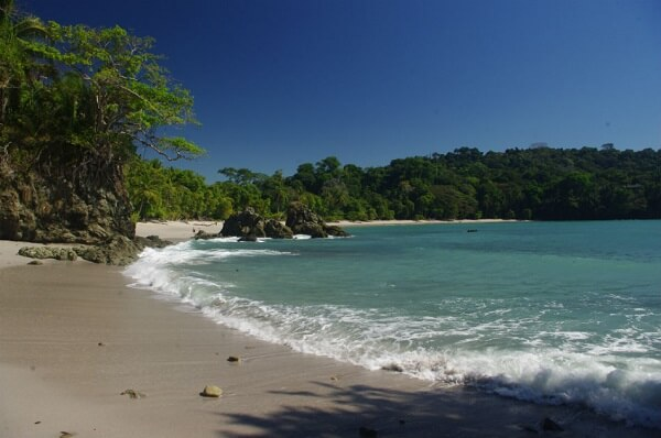 Plage de Manuel Antonio, côte Pacifique centrale du Costa Rica.