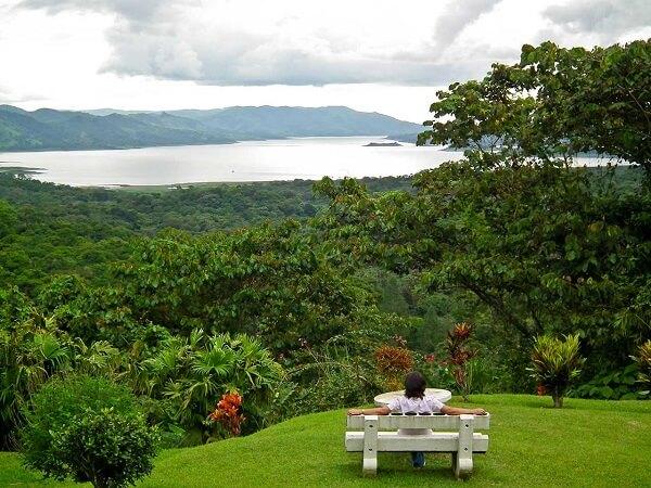 Hôtels du volcan Arenal, vue sur le lac Arenal.
