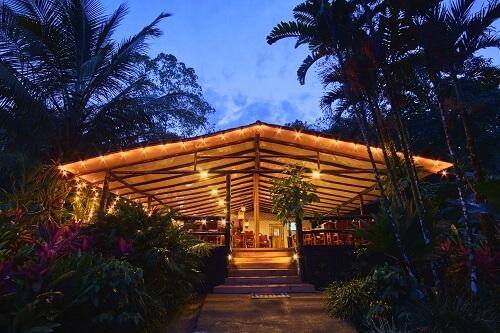 Hôtels du volcan Arenal, hôtel Chachagua Rain forest, reception .