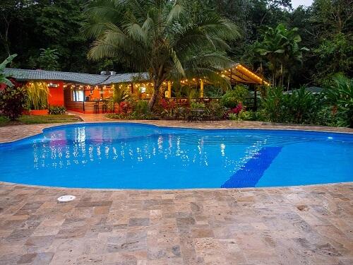 Hôtels du volcan Arenal, hôtel Chachagua Rain forest, piscine