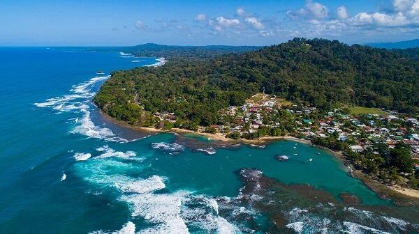 Puerto Viejo de Limon, cote Caraibe sud du Costa Rica