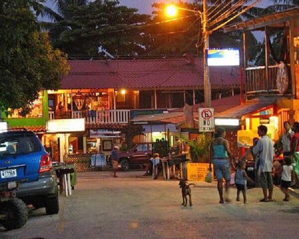 Le village de Montezuma dans le sud de la péninsule de Nicoya, Costa Rica